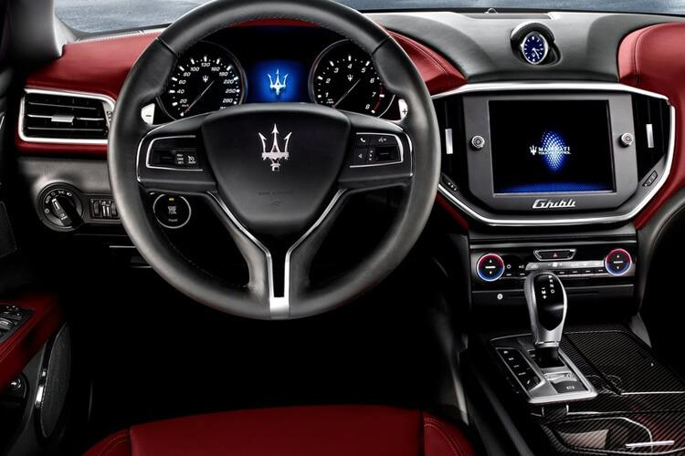 Maserati Ghibli Saloon 3.0 V6 350PS GranSport 4Dr ZF [Start Stop] [Nerissimo] inside view